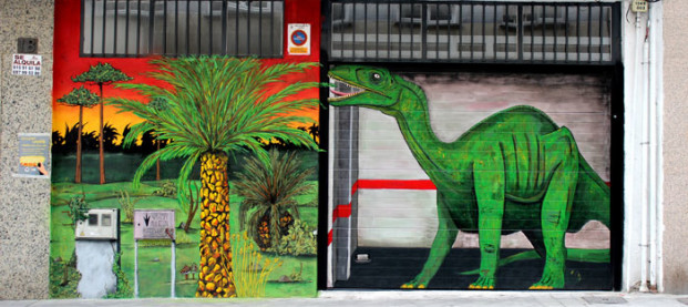 Hay un dinosaurio en mi garaje